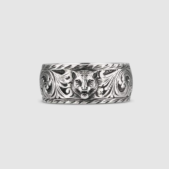 Gucci Thin silver ring with feline head