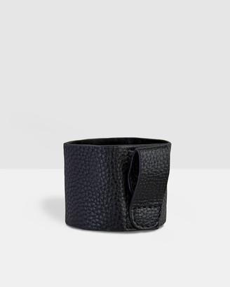 Fressko Bino Leather Sleeve