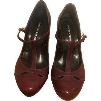 Gaspard Yurkievich Burgundy Leather Heels