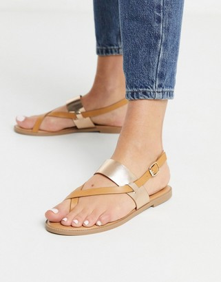 Qupid toe loop thong flat sandals in tan