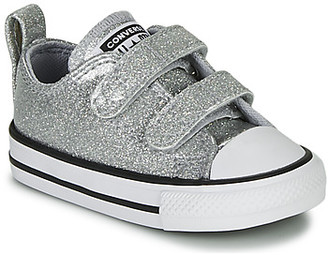 Converse CHUCK TAYLOR ALL STAR 2V COATED GLITTER girls's Shoes (Trainers) in Grey