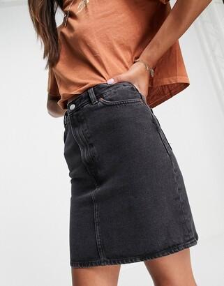 Monki Mimmie organic cotton denim mini skirt in black