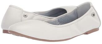 Minnetonka Anna (White Leather) Women's Flat Shoes
