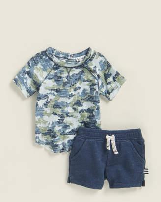 Splendid Newborn/Infant Boys) Two-Piece Short Sleeve Camouflage Tee & Shorts Set