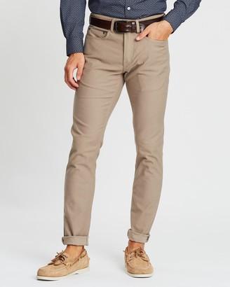 Rodd & Gunn Motion 2 Straight Jeans - R