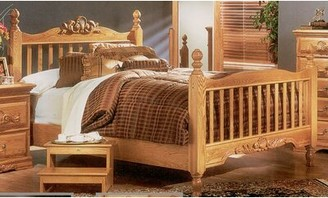 Bebe Furniture Country Heirloom Panel Bed Size: Queen