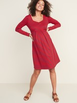 Old Navy Maternity Crepe Fit & Flare Dress