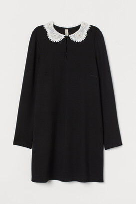 H&M Dress with a lace collar
