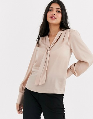 New Look pussybow blouse in cream-Tan