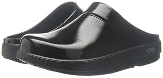 OOFOS OOcloog Luxe (Black/Black) Clog Shoes