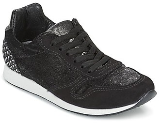 Ippon Vintage RUN VELVET women's Shoes (Trainers) in Black