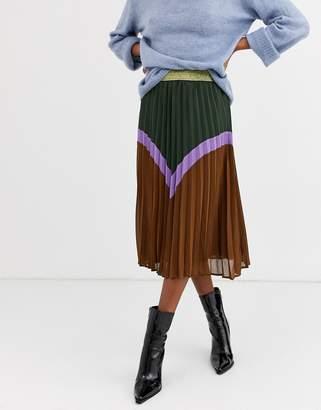 Ichi chevron color block skirt with gold waistband