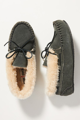 Minnetonka Chrissy Moccasin Slippers By in Grey Size 6