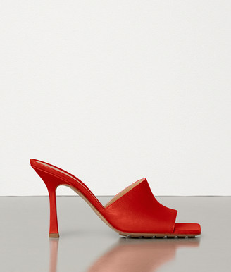 Bottega Veneta Stretch Sandals In Berry Calf