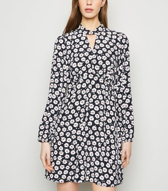 New Look Daisy Twist Neck Tunic Dress