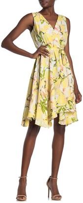 Gabby Skye Sleeveless Floral Dress