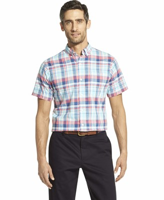 Izod Men's Fit Saltwater Dockside Chambray Short Sleeve Button Down Plaid Shirt