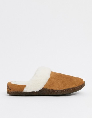 Sorel nakiska suede slippers in camel