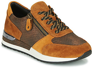 Remonte Dorndorf women's Shoes (Trainers) in Brown