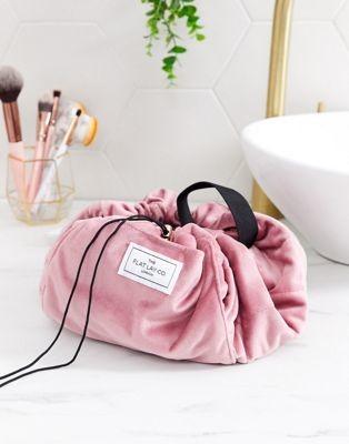 The Flat Lay Co. Drawstring Makeup Bag - Pink Velvet