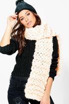 Boohoo Faye Super Chunky Knitted Scarf
