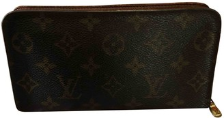 Louis Vuitton Zippy Brown Cloth Wallets