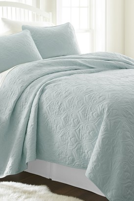IENJOY HOME Home Spun Premium Ultra Soft Damask Pattern Quilted King Coverlet Set - Pale Blue