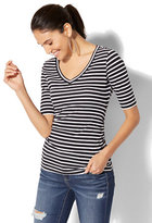 New York & Co. Tee Luxe - V-Neck Striped Top
