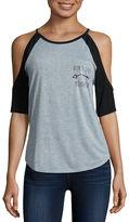 Freeze Short Sleeve Scoop Neck Graphic T-Shirt