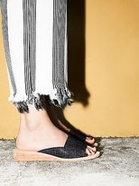 Daybird Mini Wedge by FP Collection