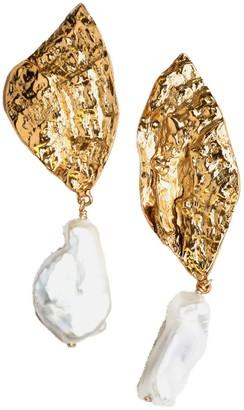 Lovard Shell Earrings With Pearl