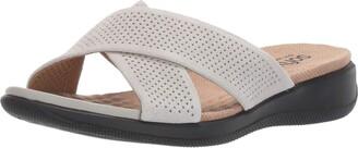SoftWalk Women's Tillman Light Grey Sandal 6.0 N