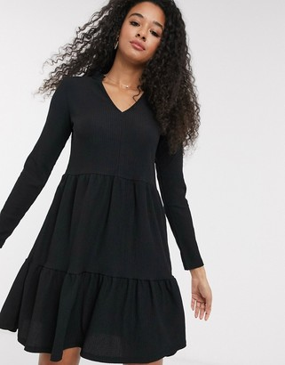 New Look crinkle smock v neck dress with frill collar in black