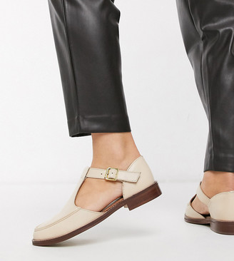 Asos DESIGN Wide Fit Vonnie leather flat shoes in bone