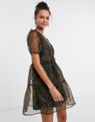 Vila organza tiered smock dress in animal