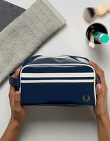 Fred Perry Classic Travel Kit Wash Bag In Navy