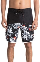 Quiksilver Men's Crypt Scallop Board Shorts