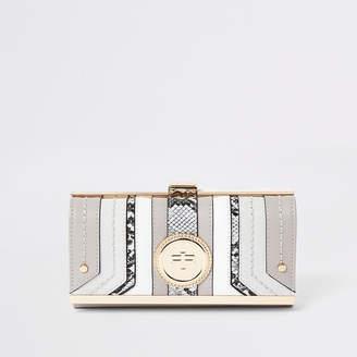 River Island Light grey RI pendant clip top purse