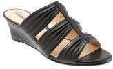 Trotters Women's Mia Wedge Sandal