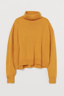 H&M Knit Turtleneck Sweater - Yellow