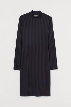 H&M Ribbed polo-neck dress