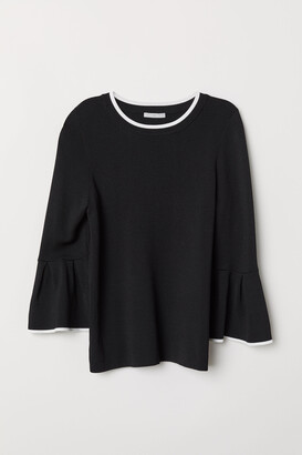 H&M Flounce-sleeved Sweater