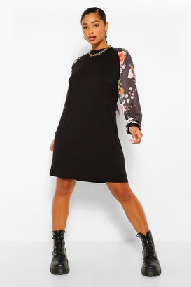 boohoo Plus Floral Contrast Jersey T-Shirt Dress