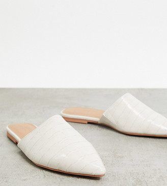 ASOS DESIGN Wide Fit Lava pointed flat mules in grey croc