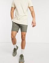 Asos Design DESIGN slim chino shorts in khaki
