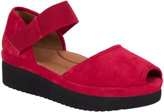 L'Amour des Pieds Amadour Platform Sandal