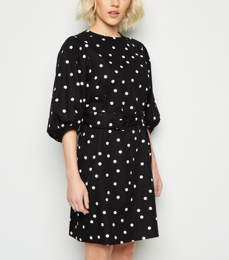 New Look Petite Spot Poplin Puff Sleeve Dress