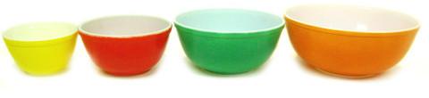Pyrex Nesting Bowls Set Of 4