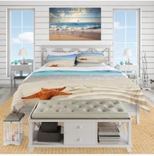 Design Art Designart 'Brown Starfish On Caribbean Beach' Beach Duvet Cover Set - King Bedding