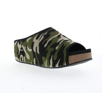 Volatile Women's ZEBRASKY Slide Sandal CAMO 6 Medium US